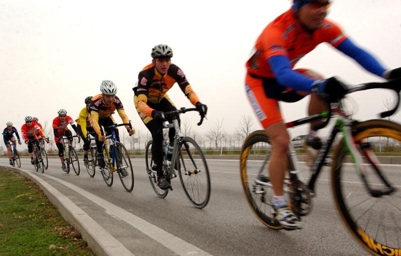 Modern Bicycle Race
